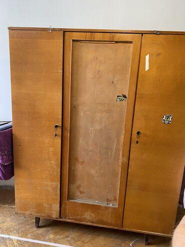 Находки, отдам даром - Кыргызстан: Отдам шкаф 1.80-2м примерно. самовывоз, район филармония