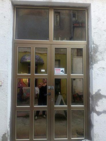 Poslovni prostor - Srbija: Izdajem lokal u centru grada,ugao Kralja Milana i Njegoseve