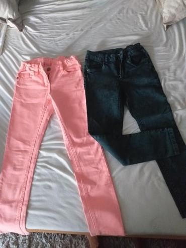 Farmerki pantalone - Srbija: 2 para farmerki za devojcice (500 kom)u odlicnom stanju vrlo malo nose