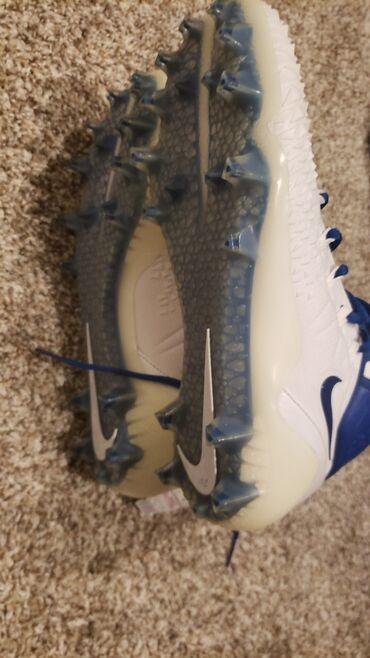 Бутсы - Бишкек: Nike, шиповки, новые, оригинал. 43 размер, из США. Доствка за 1 -2