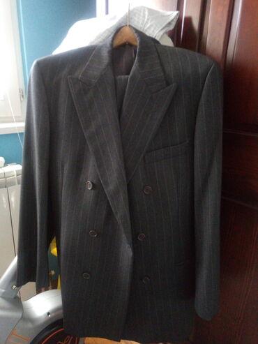 Majica emporio armani - Srbija: Prodajem novo musko odelo Emporio Armani, sivo sa prugama, nikada nije