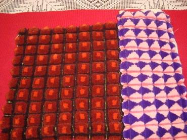 Ukrasni jastucici od vune u dve boje,rucni rad. - Belgrade