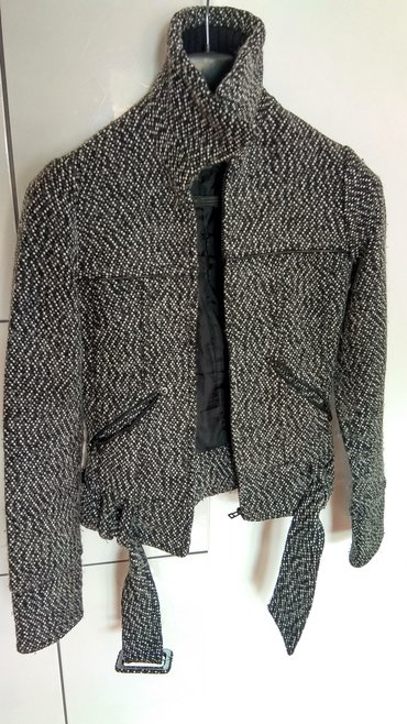 Ženska odeća | Lazarevac: Sivo-crni kaputic____________Lep zenski kaputic jakna sivo crne