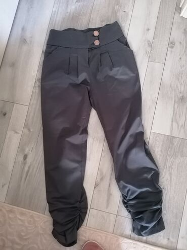 Pantalone velicina L, bez ostecenja