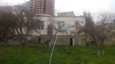 orta ölçülü çantalar - Azərbaycan: Unvan Badamdar qesebesu baglar dongesi1. Ev 160 kvadrat, 3 otaq ve bir