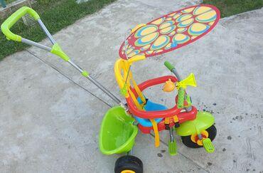Tricikli - Srbija: Prodajem deciji tricikl,vrlo malo koriscen.Za decu uzrasta