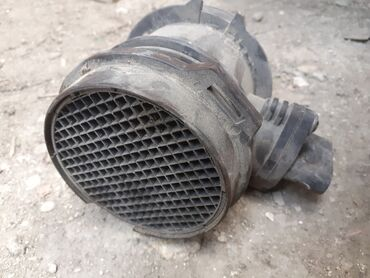 vozduxamer nedir - Azərbaycan: Mercedes w203 benzin 3,2 mator ucun vozduxamer.bosh