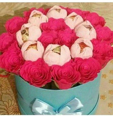 """Цветы на подарок """"РОЗА с конфетами """"работа ручная принимаем заказы цен в Бишкек"""