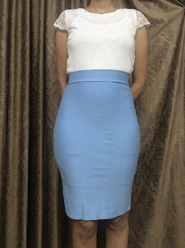 Голубая юбка. Размер S. Цена 250 сом