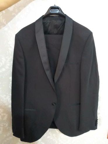 Смокинг 6000 пальто 4000 одевали один раз на свадьбу в Бишкек