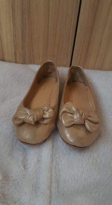 Baletanke zlatne boje, br.36 u odlicnom stanju,bez ostecenja
