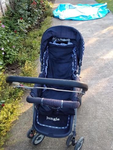 Kolica za bebe,imaju tri položaja ležeci, poluležeci i sedeci - Kovin