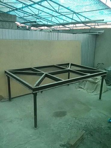 угольник стол в Кыргызстан: Продам стол верстак,новый и очень мощный из швеллера, по краям