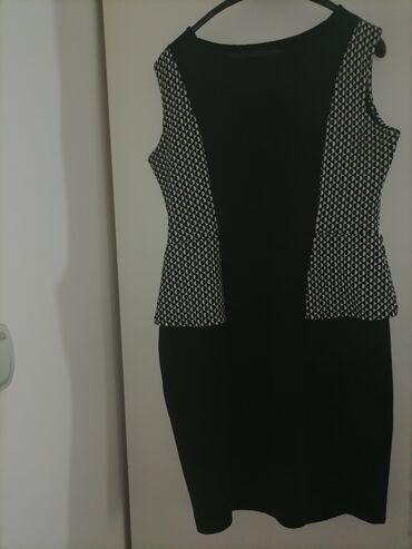 Kvalitetna i dobro ocuvana haljina broj 46