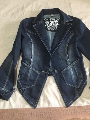 джинсова курточка в Кыргызстан: Джинсовая курточка,42-44р.Италия
