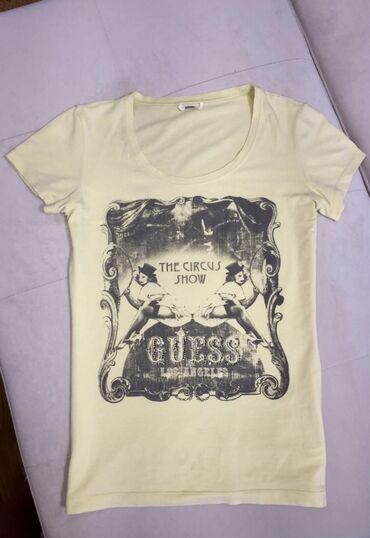 GUESS original majica, potpuno ocuvana.  Boja- svetlo zuta, uska, pra