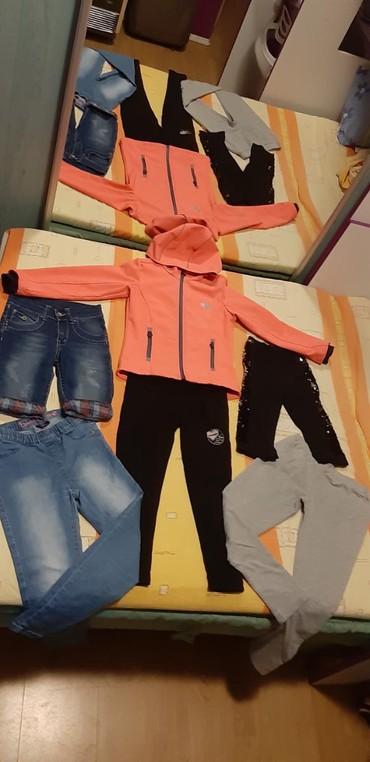 Helanke farmerke - Srbija: Paket za devojčiceuzrast 6-8 godina1 x jakna H&M 1281 x farmerke