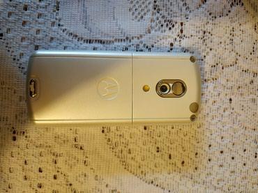 motorola-droid в Азербайджан: Telefon tam originaldi her bir hissesi artiq sual vermetin qiymet