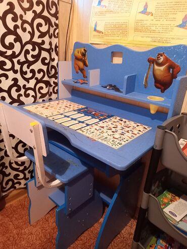 Детский стол.Состояние хорошее.Отдам за 2250