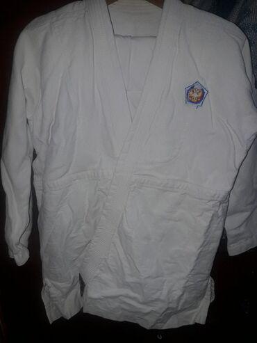 спортивный-комплект в Кыргызстан: Кимоно для каратэ на ребёнка 9-11 лет. Комплект: штаны, куртка и пояс