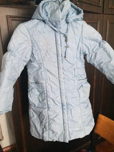 Голубая куртка на 4-6 лет. в Бишкек