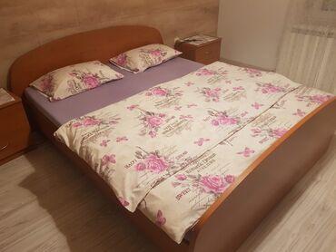 Bean boozled - Srbija: Spavaca soba  Krevet bez duseka 160cm x 200cm Ormarici 2 kom Ogledalo