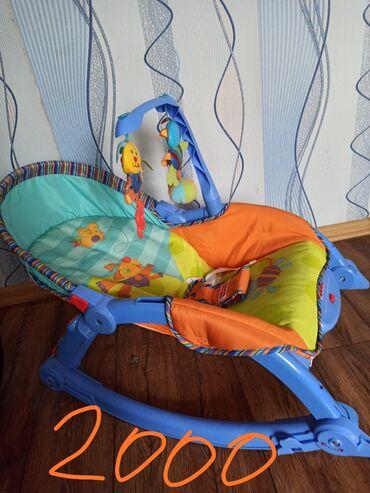 шезлонг для грудничков в Кыргызстан: Продаётся шезлонг 1500сом, автолюлька от 0 до 13 кг 2000 сом, стульчик