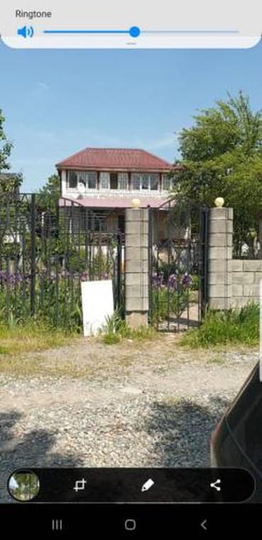 Продаю 3х уров. Дачу на 4 сотках в селе в Бишкек