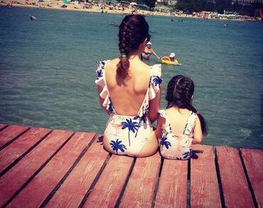Белье-купальники - Кыргызстан: Продаю купальник мама и дочка. Размер мамы 42, дочки подойдёт на3- 5