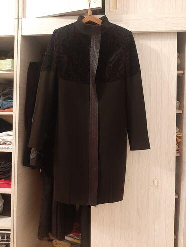 Продаю пальто за 5000 сом Покупала год назад за 10000 сом В отличном