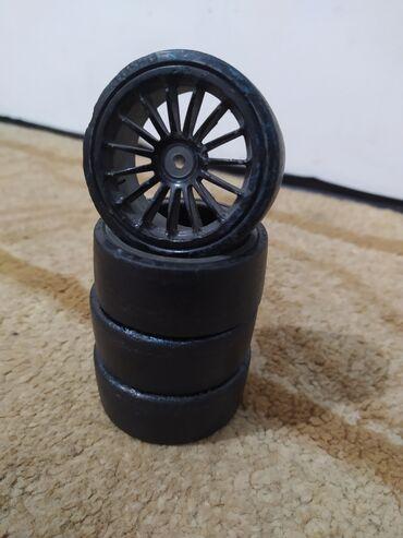 audi q3 rs в Кыргызстан: Продаю комплект дрифтовых колес  На rs модель 1/10
