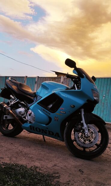 Продаю мотоцикл Honda CBR 600f1998 годВ идеальном состоянии, полностью