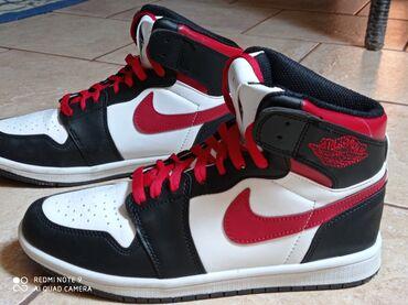 Πωλούνται παπούτσια(1φορα φορεμένα) 41νουμερο