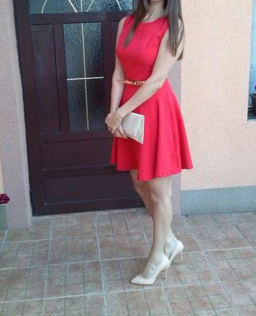 Crvena haljina sa zlatnim kajsicem koji se skida,kao nova,obucena - Vrsac