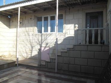 Bakı şəhərində Binəqədi qəsəbəsi 1 geniş zal studiya, mətbəxt,2 yataq.qeniş