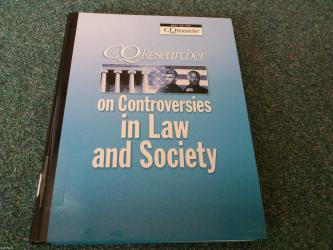 Manchester united kacket - Srbija: Naslov: cq researcher on controversies in law and society autor(i): cq