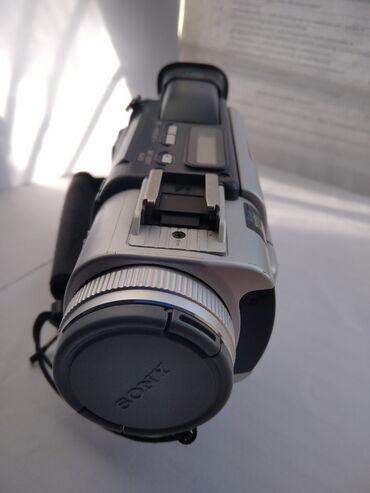 Видеокамера Sony кассетная. Полностью рабочая все функционирует. С