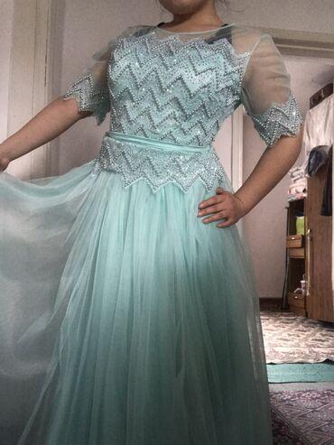 вечернее платье на выпускной в Кыргызстан: Продаю платье вечернее  Одевала 1раз на выпускной  Новое все стразы на