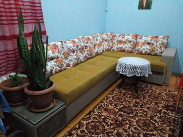 Bakı şəhərində Künc divan, təzədir, heç bir problemi yoxdur, çox keyfiyyətli maldir