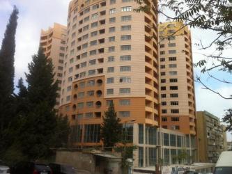 Bakı şəhərində Mənzil satılır: 3 otaqlı, 82 kv. m., Bakı