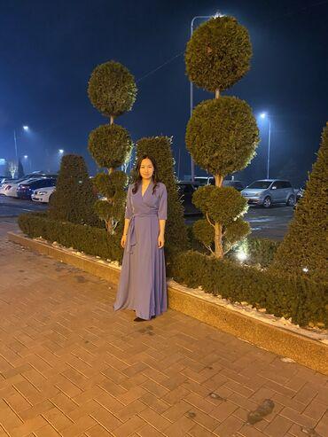Продаю голубое платье, носила всего 2 раза. Купила за 2200, отдам