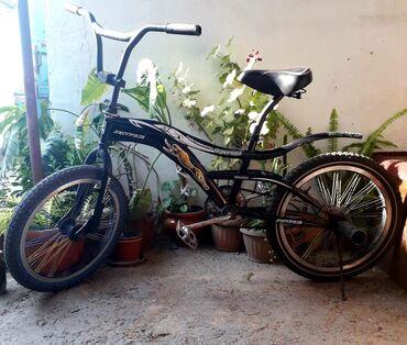 Спорт и хобби - Кара-Балта: Продаю велосипед bmx состояние хорошее цена 3 500