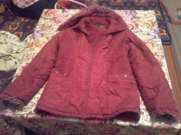 стильную зимнюю куртку в Кыргызстан: Продаю женскую куртку 46-48р. Зимняя, теплая