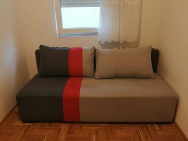 Kuća i bašta - Borca: Na prodaju krevet u extra stanju. Širina: 198,0 cm, Dubina: 95,0 cm
