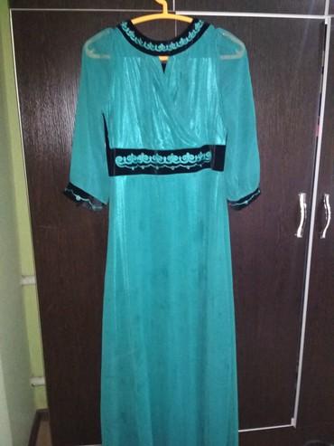 Платья - Цвет: Зеленый - Кок-Ой: Продаю б/у платье размер 48-50, одевала два раза, прошу 600 сом