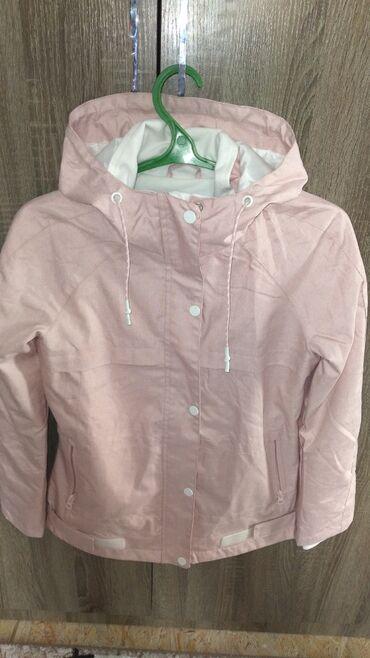 соя где купить в Кыргызстан: Весенняя и осенняя куртка. Цвет розовая.размер XS.Куплена в Москве