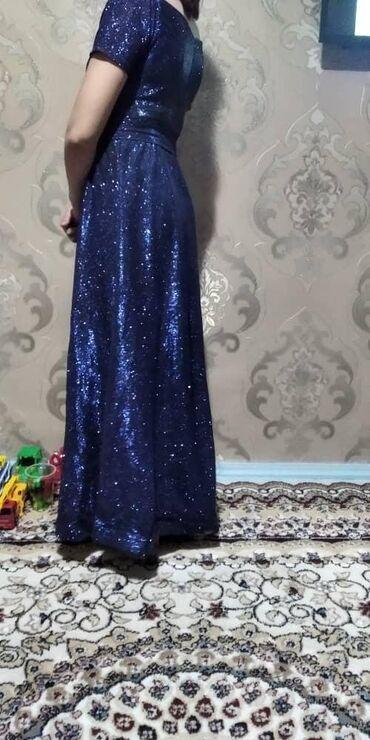 детские платья со шлейфом в Кыргызстан: Вечерние платья. Одевала только пару раз. Размер 42-44-46