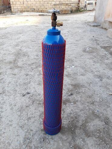 10 litrlik oksigen balonu dolu veziyyetde reduktorda var elave