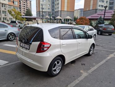 акриловые краски бишкек in Кыргызстан   КРАСКА: Honda Fit 1.3 л. 2009   108000 км