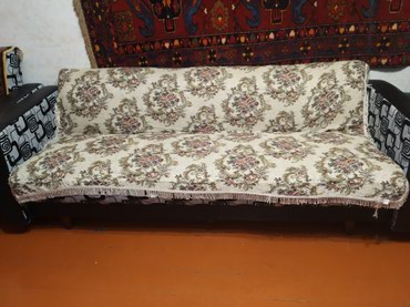 Xırdalan şəhərində Продается отдельный диван б/у.в хорошем состоянии.